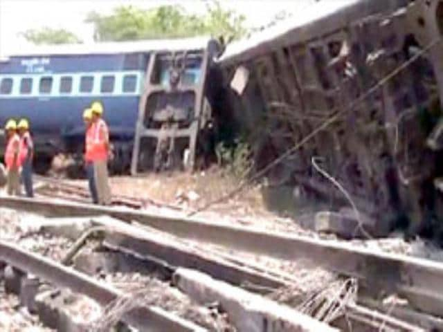 Nine-coaches-of-the-Muzaffarpur-Yesvantpur-Express-train-derailed-at-Sitheri-near-Arakkonam-killing-two-passengers-and-injuring-more-than-fifty-others-on-Wednesday