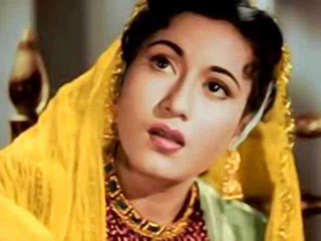 Madhubala-in-a--still-from-Mughal-e-Azam