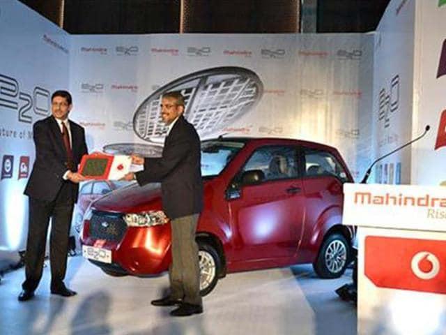 Mahindra-teams-up-with-Vodafone
