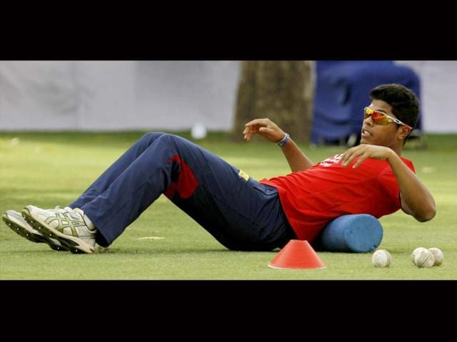 With-a-spate-of-injuries-rocking-their-campaign-it-s-nice-to-see-Delhi-Daredevils-pacer-Umesh-Yadav-put-safety-first-here-DD-can-ill-afford-to-lose-more-players-to-injuries-Sunil-Saxena-HT