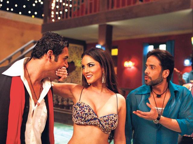 Shootout at Wadala team- John Abraham, Anil Kapoor, Tusshar Kapoor and Sunny Leone, performed on Laila song at HT City office.
