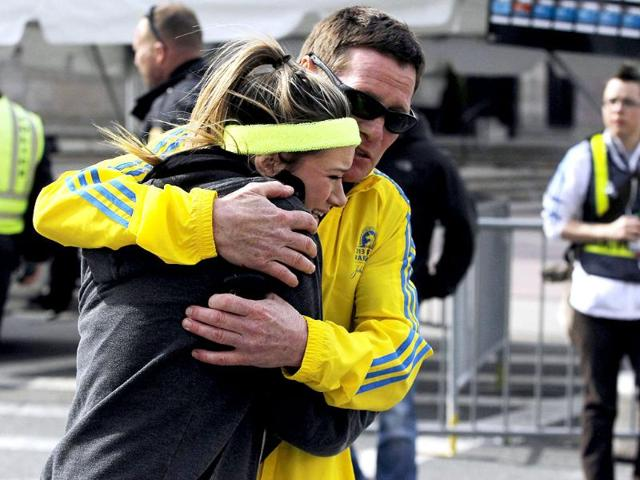 Boston blasts set off global terror probe, but few clues