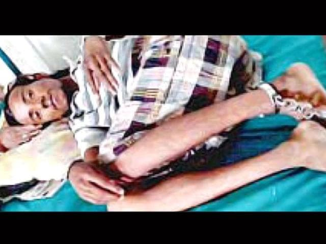 Santosh-Sahani-lies-in-hospital-chained-to-his-bed-Bikram-Sashanker-HT