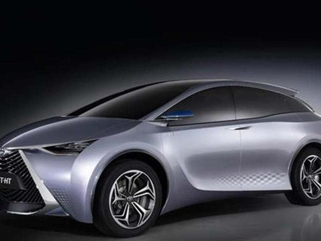 Toyota shows six-seater hybrid concept at Shanghai