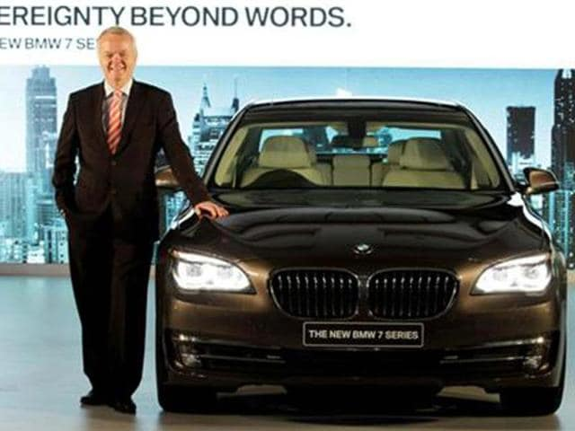 BMW launches 7 series