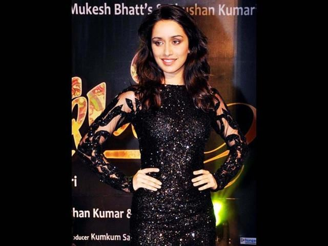 Shraddha-Kapoor-plays-Arohi-Shirke-an-aspiring-singer-who-fall-in-love-with-a-famous-singer-in-Aashiqui-2-AFP-Photo