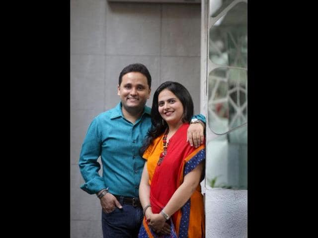 Amish-Tripathi-with-wife-Preeti-Tripathi-Photo-Kalpak-Pathak