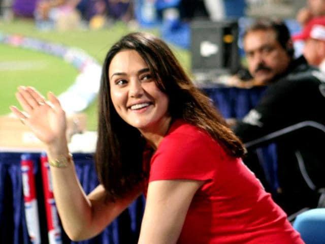 Preity-Zinta-waves-during-the-IPL-match-in-Kolkata-UNI-Photo