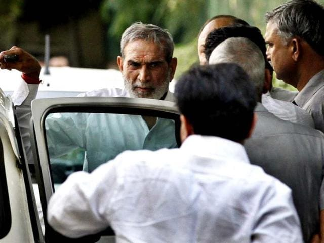 Congress-leader-Sajjan-Kumar-is-seen-after-Karkardooma-court-acquitted-him-in-a-case-related-to-the-1984-anti-Sikh-riots-HT-Photo-Raj-K-Raj