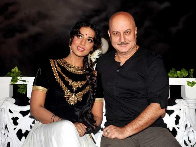 Ragini MMS 2,Sunny Leone,Parvin Dabbas
