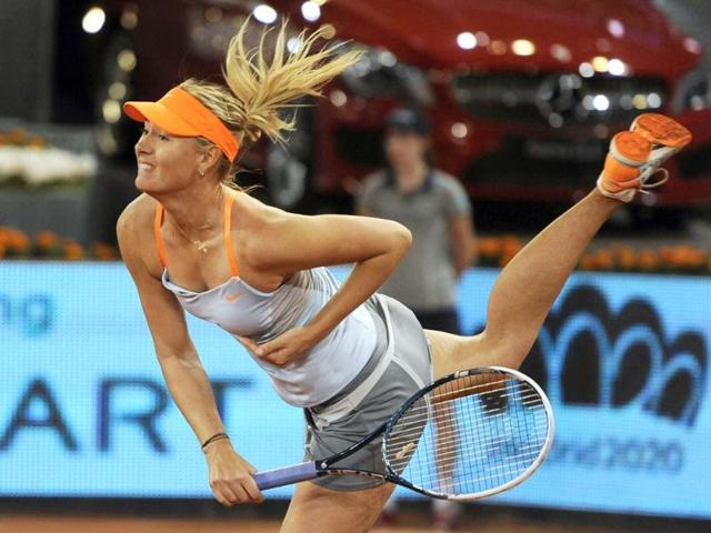 Maria Sharapova screams into the final