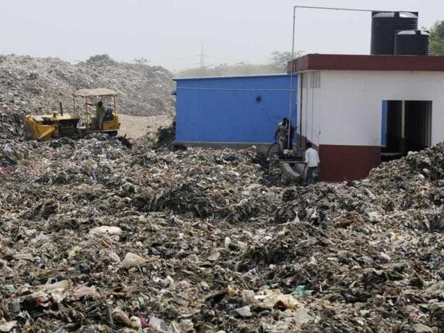 This-picture-shows-solid-waste-treatment-plant-on-the-Gurgaon-Faridabad-Expressway-in-Bandhwari-village-Parveen-Kumar-HT
