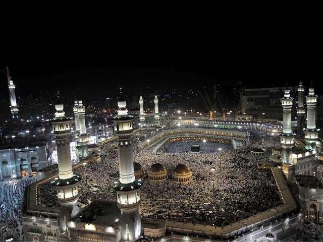 Muslim-pilgrims-perform-their-prayers-in-the-Grand-Mosque-of-the-holy-city-of-Mecca-Photo-AFP-Fayez-Nureldine