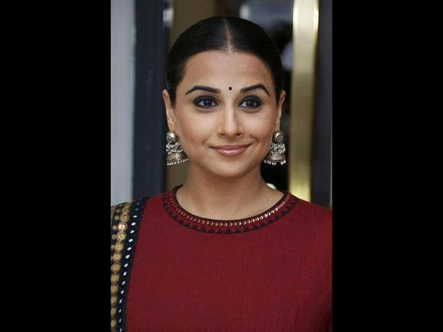 Vidya-smiles-for-the-camera
