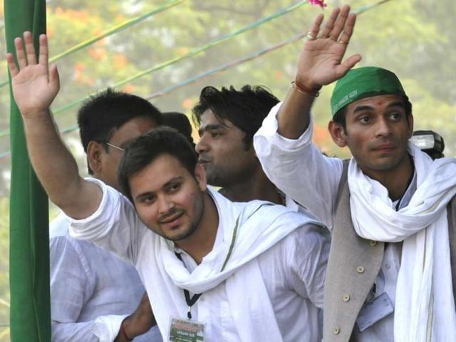 RJD-leader-Lalu-Prasad-s-sons-Tejashvi-and-Tej-Pratap-seen-at-party-s-parivartan-rally-in-Patna-HT-photo