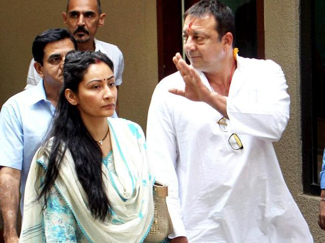 Sanjay-Dutt-was-accompanied-by-wife-Manyata-and-Mahesh-Bhatt-when-he-left-for-the-court-Photo-by-Kalpak-Pathak-Hindustan-Times
