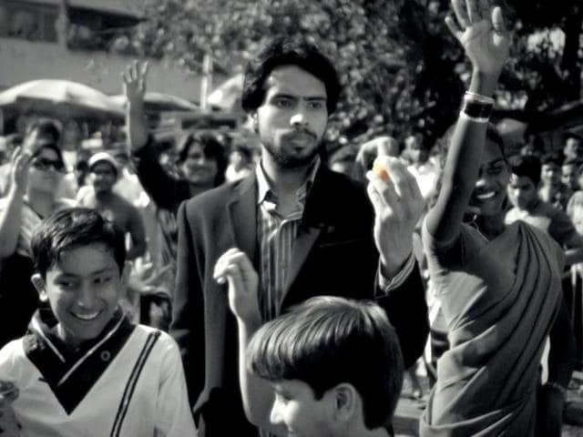 Hemwant-Tiwari-shooting-near-Haji-Ali-Mumbai