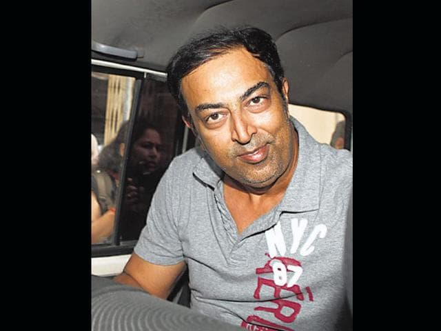 Vindoo-Dara-Singh-being-produced-at-a-local-court-after-his-arrest-in-IPL-spot-fixing-scandal-in-Mumbai-UNI