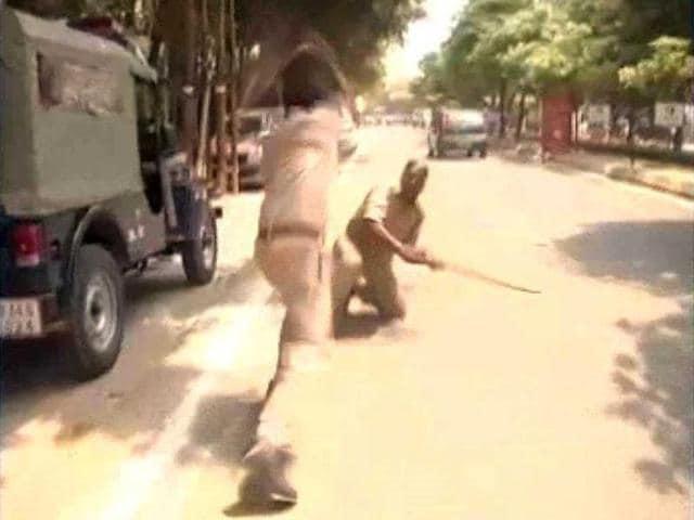 up police,Provincial Armed Constabulary barabanki,Akhilesh Yadav