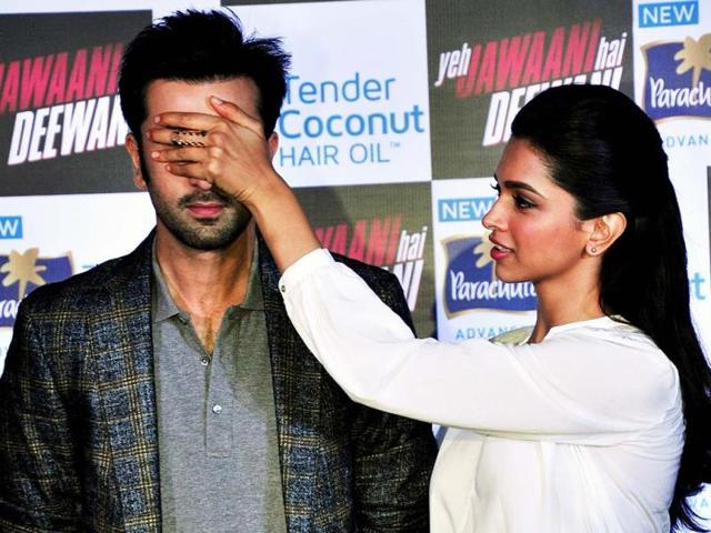 Deepika-Padukone-and-Ranbir-Kapoor