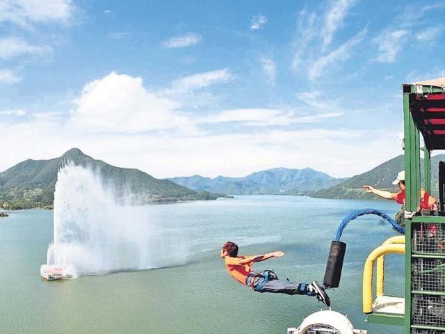 Adventure,skydiving,bungee jumping