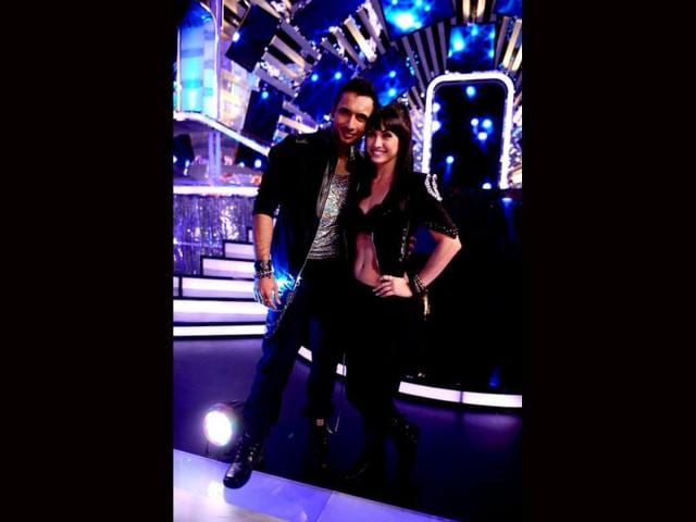 Lauren-Gottlieb-with-her-choreographer-Punit-on-sets-of-Jhalak-Dikhhla-Jaa