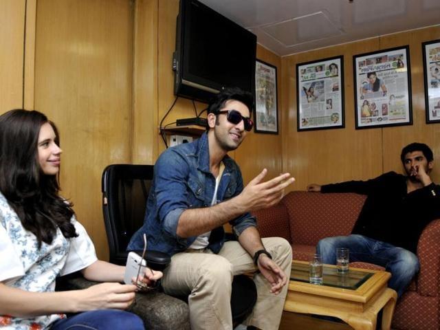 Ranbir Kapoor,Katrina Kaif,middle finger