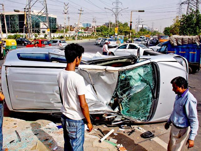 A-car-accident-on-Ardee-City-Chowk-in-Gurgaon-HT-Photo-Manoj-Kumar