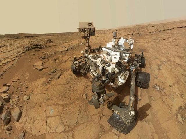 A-self-portrait-of-Nasa-s-Mars-Curiosity-rover-Radiation-levels-measured-by-Curiosity-show-astronauts-likely-would-exceed-current-US-exposure-limits-during-a-roundtrip-mission-to-Mars-scientists-said-Reuters-Nasa