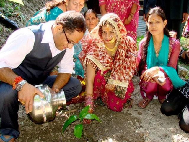 I-realised-women-s-participation-would-help-greatly-in-stopping-destruction-of-forests-says-Kalyan-Singh-Rawat
