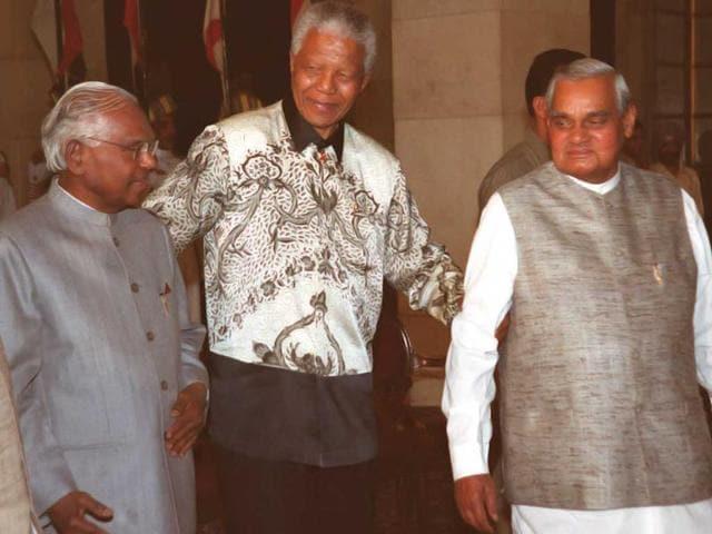 Nelson Mandela,Mdiba,mandela hospitalized