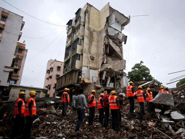 Owners of unsafe dwellings move court against MC demolition drive