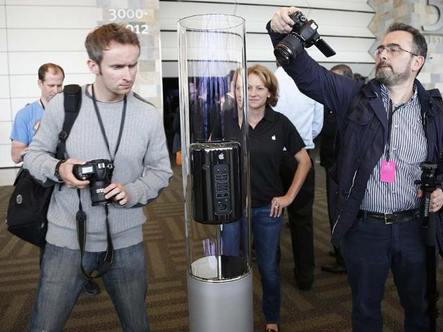 A-new-Apple-Mac-Pro-on-display-during-the-Apple-Worldwide-Developers-Conference-WWDC-2013-in-San-Francisco-California-Reuters-Stephen-Lam