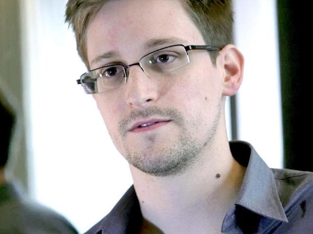Snowden gets a job offer from founder of 'Russian Facebook'