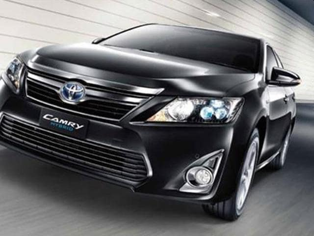 toyota camry hybrid launch in india