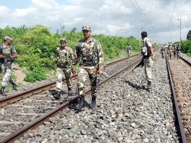 Centre warns states of more such Naxal attacks