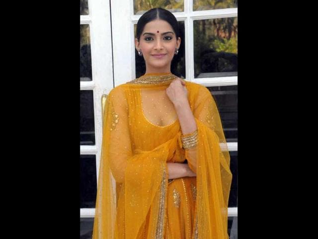 Sonam-Kapoor-may-claim-she-sought-inspiration-from-Jaya-Bachchan-s-Guddi-to-play-a-15-year-old-in-her-upcoming-film-Raanjhanaa-However-her-recent-choice-of-dresses-reminds-us-of-Sridevi-s-Chandni