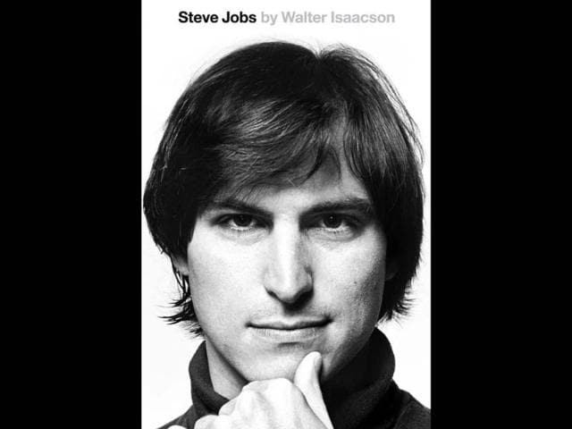 Paperback-cover-of-Steve-Jobs-biography-portrait-by-Norman-Seeff-Photo-AFP