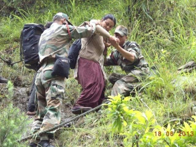 The army is seen carrying out rescue operations in areas of Uttarakhund severely affected by heavy rains and floods. (Photo courtesy: Indian Army)
