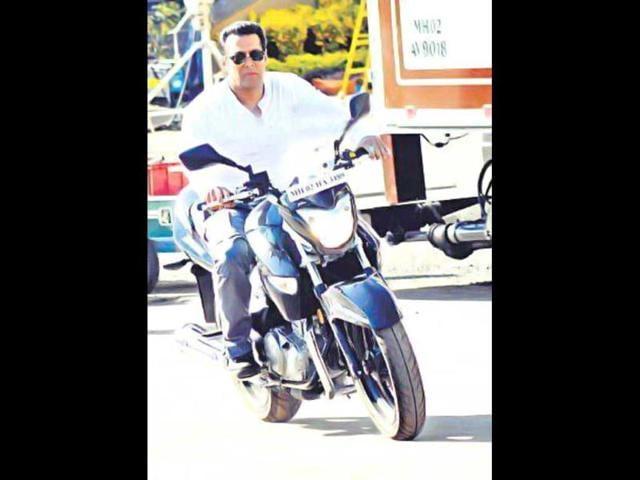Salman Khan,Ram Charan Teja,Mental