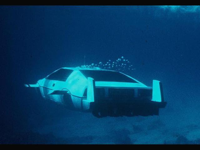 Lotus-Esprit-Series-1-Submarine-Car-Photo-AFP