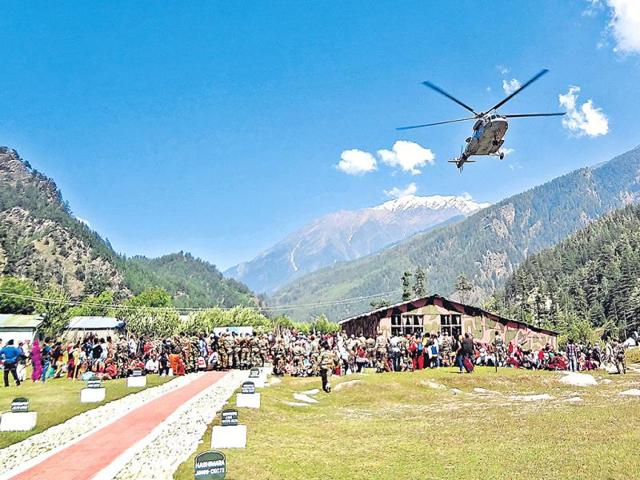 Air-Force-s-MI-17-helicopter-landing-at-the-Harsil-Army-helipad-the-lift-off-point-for-the-rescued-HT-Photo-Prasad-Nichenametla
