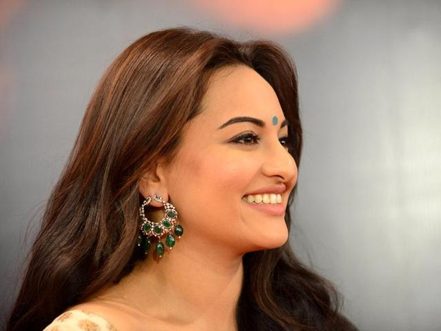 Sonakshi-makes-for-a-pretty-pose-AFP-Photo