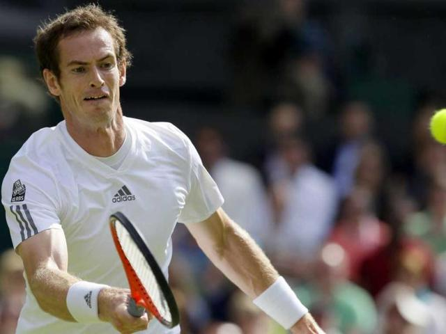 Murray back from brink to reach Wimbledon semis