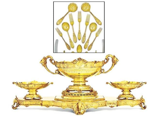 A-few-pieces-of-the-1-400-piece-dinner-set-that-was-owned-by-Maharaja-Bhupinder-Singh-of-Patiala-to-be-auctioned-by-Christie-s-auction-house