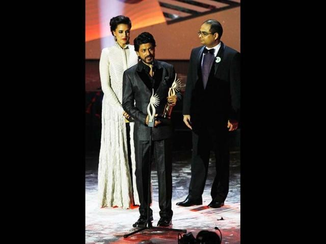 More awards for the King: Bollywood actor Shah Rukh Khan receives the Digital Star of the Year award at the IIFAs.
