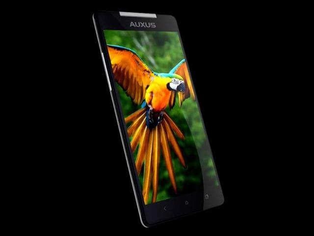 iBerry,smartphone,Auxus Nuclea N1