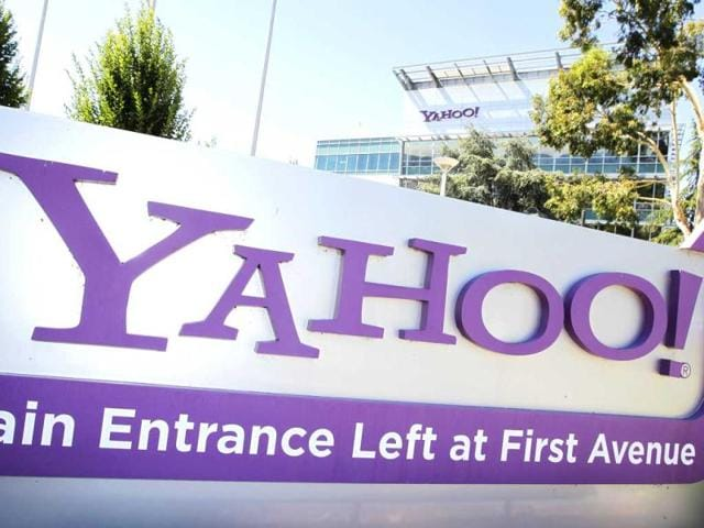 Yahoo quarter revenue,Yahoo revenue falls,Yahoo profit