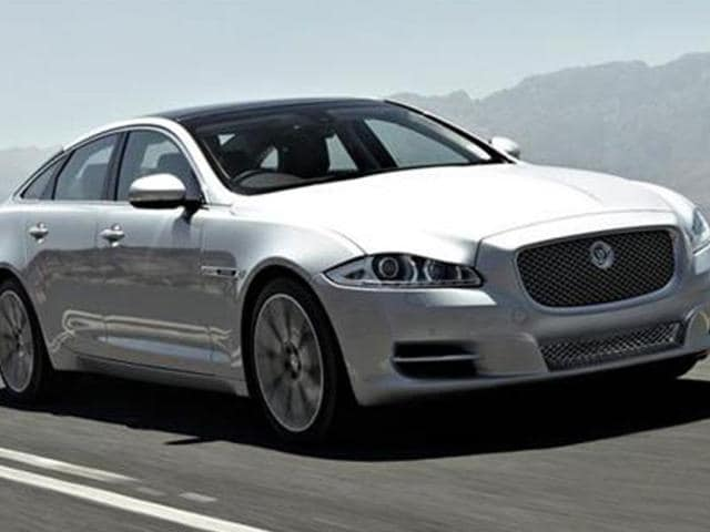 JLR launches,Jaguar XJ 2.0 at Rs. 93.24 lakh,Pune plant