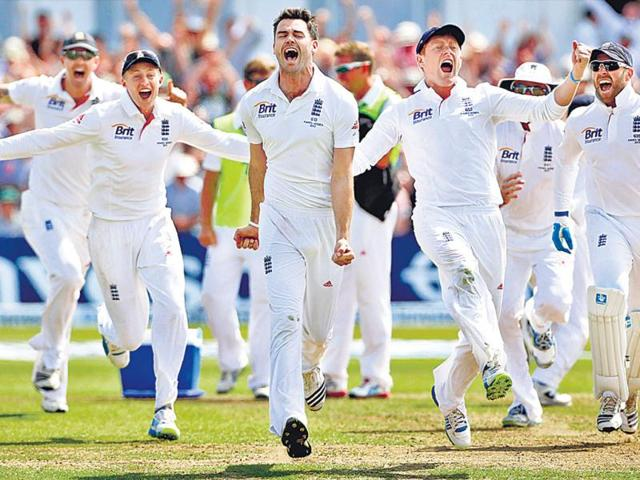 England-s-Jonathan-Trott-C-celebrates-England-s-narrow-victory-over-Australia-on-the-fifth-day-of-the-first-Ashes-Test-match-at-Trent-Bridge-AFP-Photo